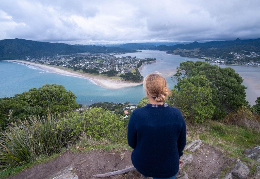 Sommet du Mont Paku et vue sur la baie de Tairu